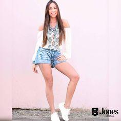 Fresh style 🌻🌼🌺 Amamos está combinação de blusa (149) + Shorts com lavagem clara (149) 😍😍😍 #heroinadodenim #jeans #blusa #shorts #fresh #jones #fortaleza #brasil