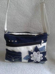 (10) Одноклассники Diy Fashion, Fashion Bags, Diy Clutch, Denim Handbags, Jean Crafts, Stylish Handbags, Love Jeans, Denim Bag, Bag Making