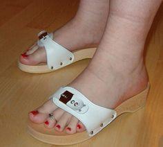 Sexy Sandals, Sexy Heels, Flat Sandals, Strap Sandals, High Heels, Sandals Platform, Dr Scholls Sandals, Wooden Sandals, Foot Toe