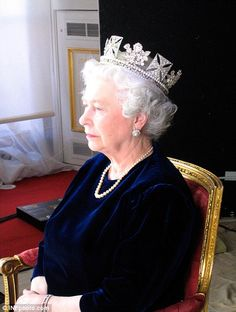 Shooting with a fresh eye, Levine took photos of the Queen Elizabeth II from unexpected angles