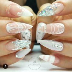 diseño de uñas largas para bodas