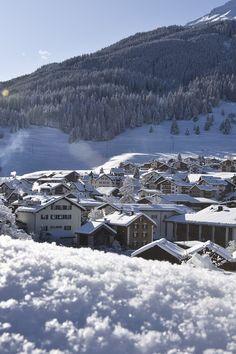 Partners for ski rental & snowboard rental in Savognin. Ski Rental, Hiking Equipment, Vacation Trips, Snowboard, Switzerland, Places To Travel, Skiing, Travel Tips, Adventure