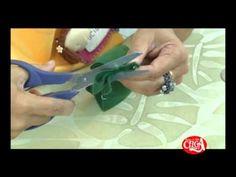 Aprenda a fazer flores em feltro usando gabaritos da We Care About
