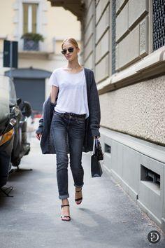 t-shirt chic. #SashaLuss #offduty in Milan.