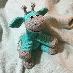 Free knitting pattern for Sock Giraffe toy by Bobbi Padgett, pictured project by jillybean22679