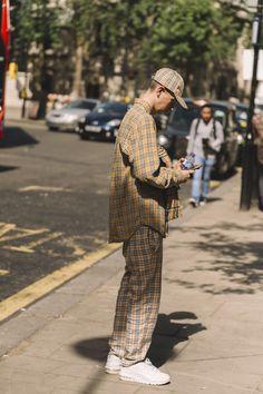 Vintage Street Fashion, Korean Street Fashion, Mode Masculine, Men Street Look, Street Style, Dope Fashion, Fashion Outfits, Man Fashion, Fashion News
