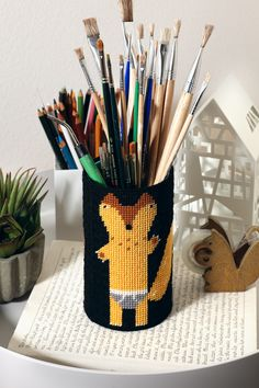 Needlepoint on plastic canvas - storage cup