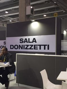 "Transpotec Logitec - Veronafiere SpA - Fiera di Verona: sala meeting. Zzzz..."" 😄"