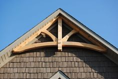 Gable Trim   Curved Tie King Post Gable Truss