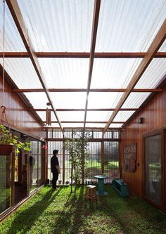 Image 3 of 151 from gallery of 30 Plans, Sections and Details for Sustainable Projects. via © IR arquitectura Earthship, Outdoor Rooms, Outdoor Living, Future House, My House, Casas Containers, Shipping Container House Plans, Pergola Plans, Greenhouse Plans
