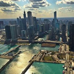Chicago Skyline, courtesy of Chicago Helicopter Experience.