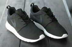 Imagem de nike, black, and shoes