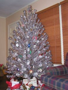 this ever gleam aluminum christmas tree is a perfect example of a silver vintage tree look at the amount of branches you have to display your awesome - Vintage Aluminum Christmas Tree