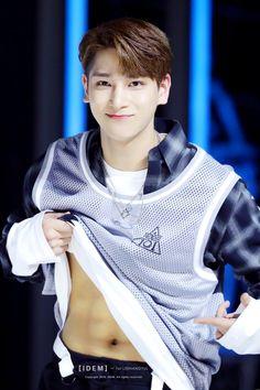 Beautiful Boys, Pretty Boys, Kpop, Shirtless Men, Asian Boys, Good Looking Men, Jinyoung, Suho, How To Look Better