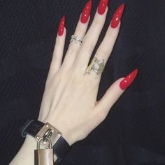 Your cruel device Your blood, like ice One look, could kill My pain, your thrill 💀💋✖️🗝 Lock Cuff from Grunge Nails, Edgy Nails, Aycrlic Nails, Cute Nails, Pretty Nails, Hair And Nails, Simple Stiletto Nails, Witch Nails, Photographie Portrait Inspiration