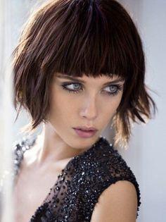 Taglio capelli medi con frangia 2016