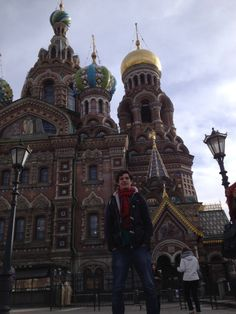 En la Basilica del Salvador sobre la sangre derramada en #StPetesburgo, #Rusia.