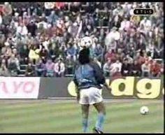Maradona calentando #Normal