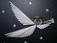 angel de pajitas blancas y papel