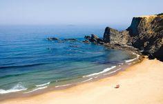 Praia Zambujeira do Mar (Alentejo, Portugal) - LOS 15 MEJORES LUGARES DEL MUNDO PARA PLANTAR UNA TIENDA