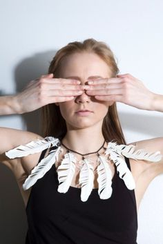 Feather collar necklace by Youth vs. Future, 43 euros.
