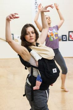 Dancing while babywearing in the ERGO baby carrier