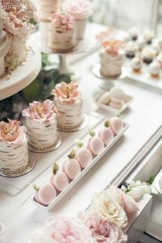 Garden wedding cake, mini wedding cake, sweet table, nature-inspired cakes and treats, wedding ideas, wedding cake inspiration INDOOR SECRET GARDEN WEDDING www.elegantwedding.ca