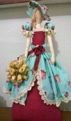 Tilda - Dama Antiga - aflorista - feita pelo Atelier Façarte (Andrea) com a coleção 025 - Shabby Chic da Tecidos Fabricart