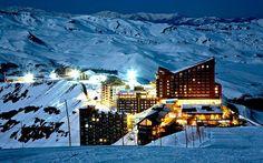 A una hora de Santiago de Chile puedes disfrutar de uno de los más importantes centros de Ski del Hemisferio Sur, Valle Nevado/Chile