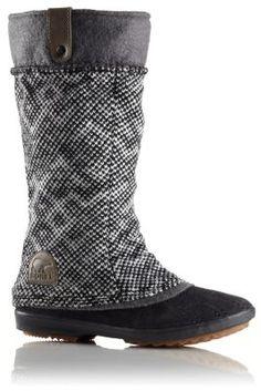 This stunning herringbone blanket boot
