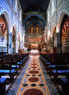 セントポールズ教会(St. Paul's within the Walls)  セント・ポールズ教会内部全景