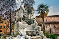 Monumento a Giovanni Battista Pergolesi 5