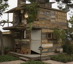 20 Awesome Ideas for Your Pallet House or Shelter - Page 7 of 21