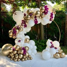 WhiTe & GoLd with burgandy flower vine balloon garland on round circle backdrop. Baby Shower Gender Reveal, Baby Shower Themes, Baby Shower Decorations, Shower Ideas, Ballon Decorations, Balloon Centerpieces, Shower Centerpieces, Balloon Backdrop, Balloon Garland