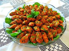 Turkish Cuisine – Lentil meatballs: 1 cup red lentils 3 bowls of fine bulgur - Bulgur Salad Armenian Recipes, Turkish Recipes, Ethnic Recipes, Lentil Patty, Lentil Meatballs, Bulgur Salad, Cooking Recipes, Healthy Recipes, Middle Eastern Recipes