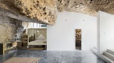 Image 1 of 21 from gallery of House Cave / UMMO Estudio. Photograph by  David Vico
