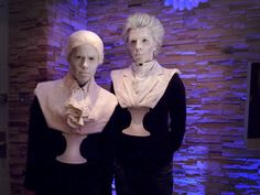 "Bust/statue halloween costume would be great idea for Haunted Mansion ""Singing Busts"" group costume. Halloween Tags, Disney Halloween, Couple Halloween Costumes, Holidays Halloween, Halloween Crafts, Halloween Makeup, Halloween Decorations, Group Halloween, Happy Halloween"