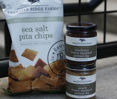 Try Terrapin Ridge Farms Blueberry or Peach Honey Mustard Pretzel Dip with their AMAZING kettle cooked sea salt pita chips. Not only are these dips incredible by themselves, but try adding a new spin to your cheese, fish, salad or sandwich. Not to mention - GREAT for tailgating!