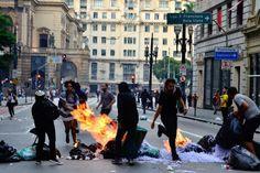 RS Notícias: Polícia entra em confronto com manifestantes e dis...