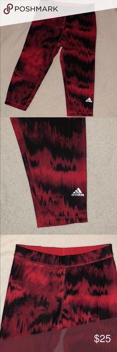 Adidas crop leggings In good condition. adidas Pants