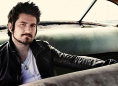I met the incredibly talented Matt Nathanson at The Pageant in St. Louis last year.  He writes with humor and sincerity, and I constantly find myself getting his songs stuck in my head.  I own ALL of his stuff and I highly, highly, highly (can I emphasize HIGHLY) encourage anyone not familiar to get that way.