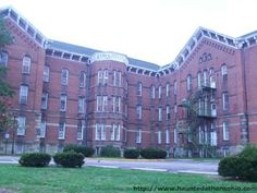 The Ridges Mental Health Institution Athens Lunatic Asylum in Athens, Ohio. Abadoned. Why aren't they using this for Something?