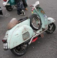 Motor Scooters, Vespa Scooters, Vespa Et2, Italian Scooter, Scooter Custom, Pocket Bike, Vintage Vespa, Vespa Lambretta, Narrowboat