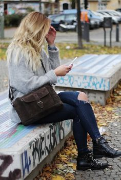 """Als praktische Tasche für das Büro oder für die Freizeit überzeugt """"Hannah"""". Die braune Tasche ist nicht nur durch ihre Farbgestaltung ein absoluter Blickfang, sondern auch, weil sie einfach toll ist"""