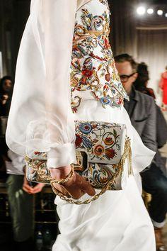 yourmothershouldknow:  Marchesa Otoño/Invierno 2013 Semana de la Moda de Nueva York ….. Marchesa Autumn/Winter 2013 New York Fashion Week