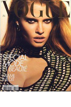 Vogue Paris mars 2008: http://www.vogue.fr/photo/les-couvertures-de/diaporama/mert-marcus-en-16-couvertures-de-vogue-paris/6826#mars-2008