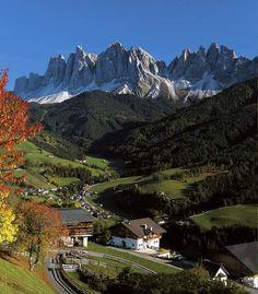 Panorama della Val di Funes e delle Odle, Dolomiti, Bolzano, Alto-Adige. Italy