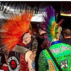 Punk is art Estilo Punk Rock, Skinhead Girl, Emo, Biker Leather, Culture, Goth, Metal, Fascinators, Gothic