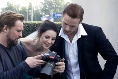 @SamHeughan and @caitrionambalfe checking out the shots from their photo shoot from San Diego.