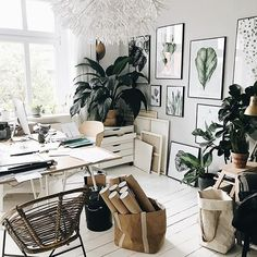 35 Wonderful Workspace Inspiration That You Have To Try - You can easily get distracted by friends and family members while trying to do your work. You must create a good workspace dedicated to your work only.